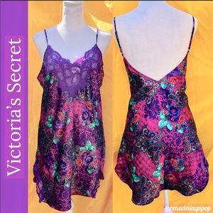 Vntg VS Slip or Mini Dress purple paisley satin